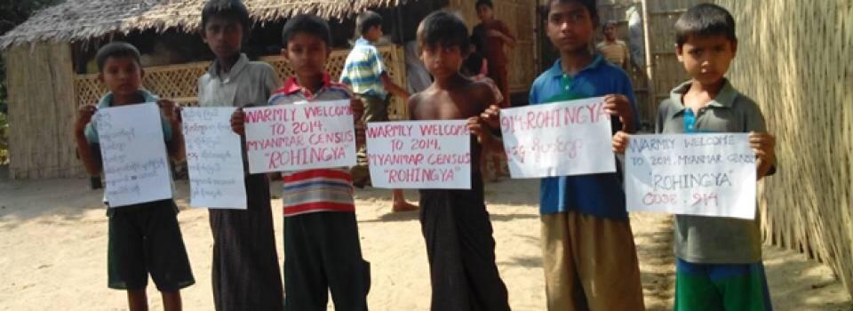 Rohingya kinderen maken duidelijk onder welke etnische noemer zij mee willen tellen