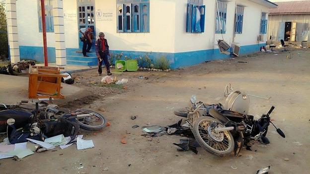 UNHCR World Food Program kantoor in Sittwe Myanmar, aangevallen en geplunderd op 27 maart 2014