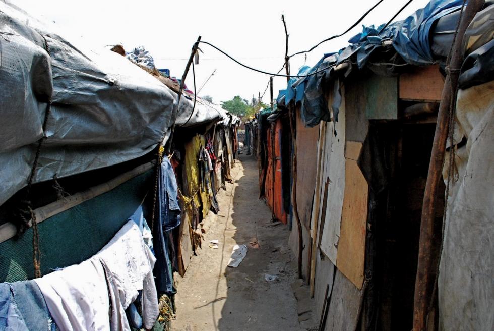 De overvolle Rohingya nederzetting in New Delhi waar de 16-jarige Ashokur Rahman woont.