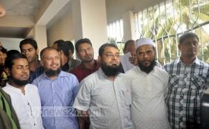 Foto tijdens de arrestatie van de vijf broeders.