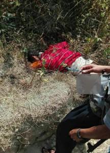 Het levenloze lichaam van Abdu Rahim.